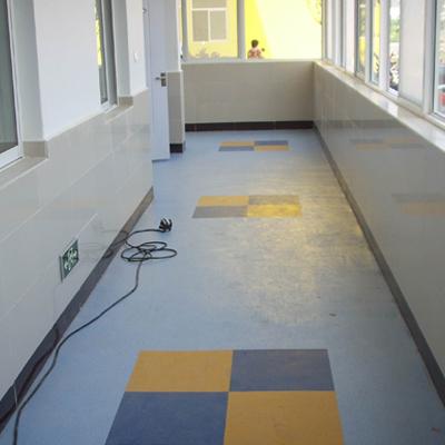 灵宝鑫蕾幼儿园塑胶地板